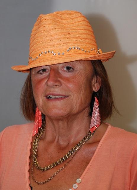 Claudia-mit-Hut2